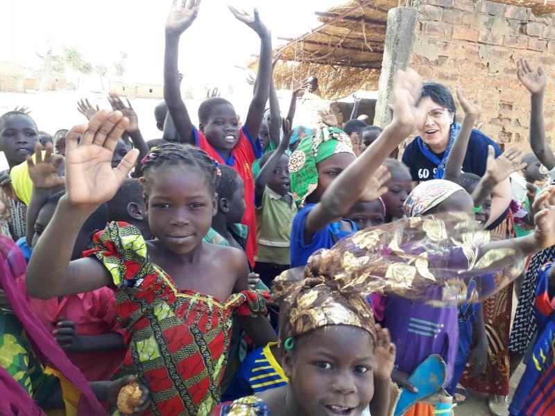 AMASC - apoyando la labor educativa de las rscj (aquí en Bougoudang, Chad)
